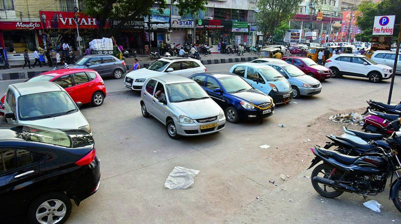 Many urban planners feel free parking at public or private spaces is against free economics and good urban planning. However, there are others who contend providing parking is public good and government is duty bound to provide it.