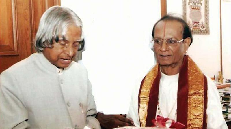 Mridangam maestro honoured by A. P. J. Abdul Kalam.