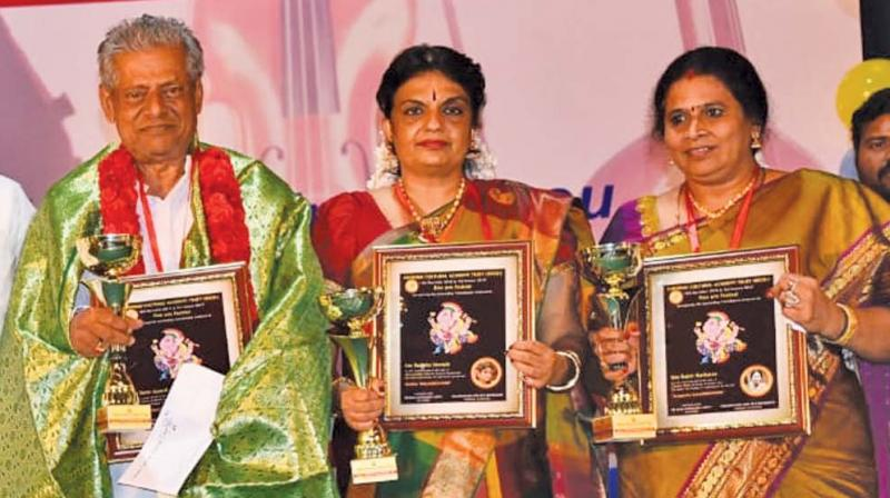 Chennai Cultural Academy Trust honours music, dance and drama artistes Rajini Hariharan, Shurajit Nrithya and Delhi Ganesh at the inauguration of its Fine Arts Festival in the city. (Photo: DC)