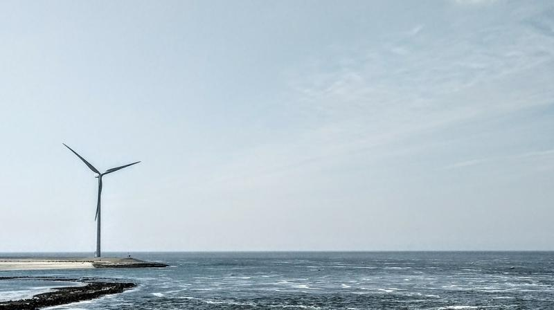 While no commercial-scale deep water wind farms exist at present, the findings suggest the technology is worth pursuing, though the power would vary according to the seasons.