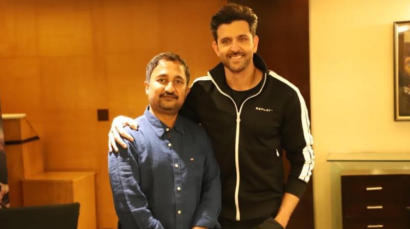 Hrithik Roshan with Pranav Kumar. (Photo: Twitter)