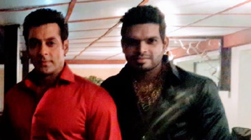Sanjay Gujar with Bollywood superstar Salman Khan.