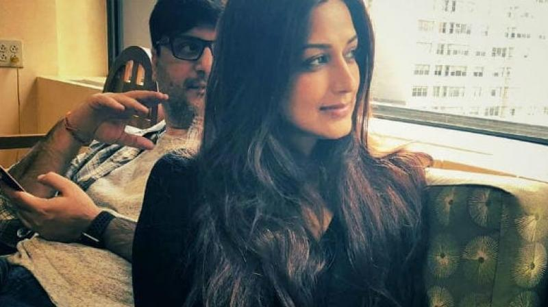 Amidst cancer treatment, Sonali Bendre returns to India with husband Goldie Behl