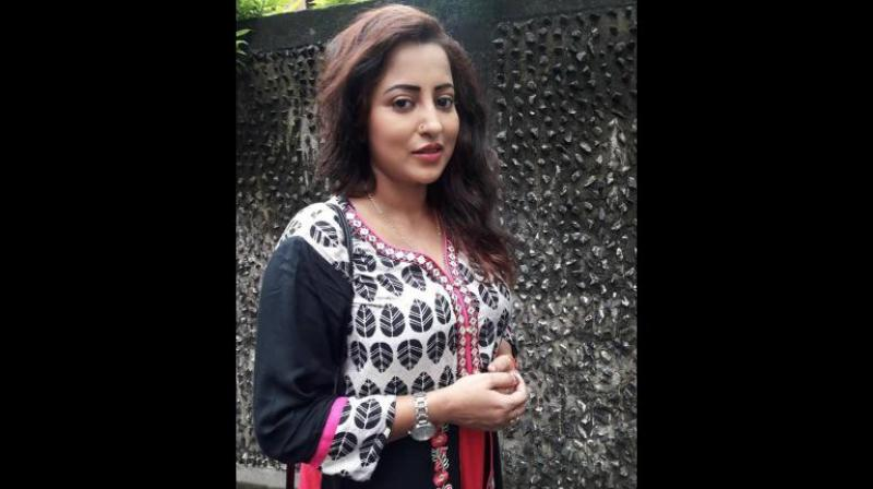 The police have also found out that 38-year-old Payel Chakraborty, who recently separated from her husband, is survived by a two-year-old son. (Photo: Facebook Screengrab | Payel Chakraborty)
