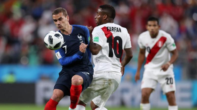 France coach Didier Deschamps made a pair of tactical adjustments after an underwhelming performance in the team's opening win over Australia. (Photo: Fifa official site)