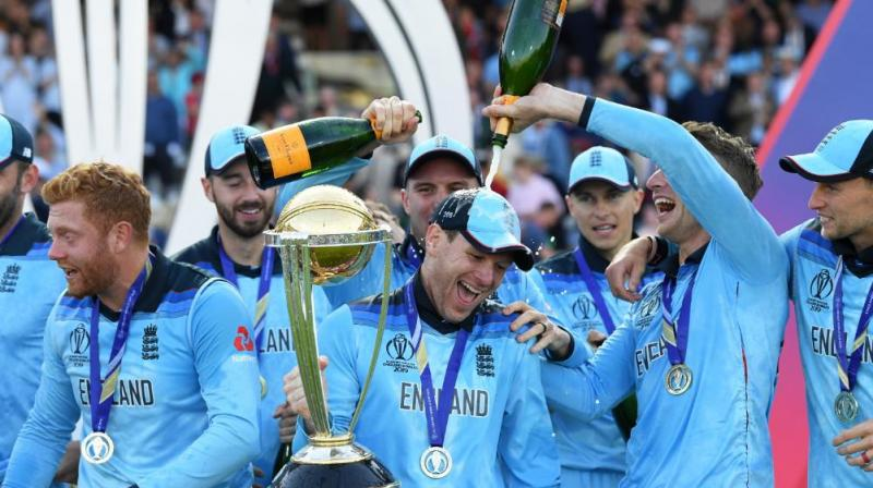 Taufel, who had umpired during the 2011 World Cup final, confirmed that the officiating umpires Kumar Dharmasena and Marais Erasmus made a mistake. (Photo: AFP)