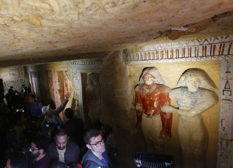 Cameramen and visitors visit the recently uncovered tomb of the Priest royal Purification during the reign of King Nefer Ir-Ka-Re. (Photo: AP)