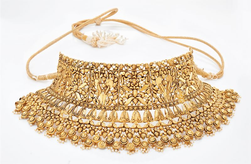A traditional choker by Jaipur Gems