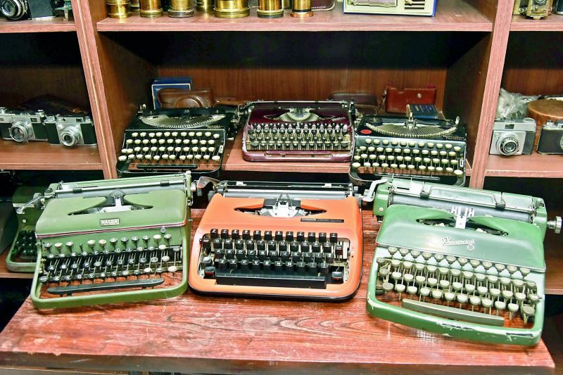 Typewriters from 1920 to 1975
