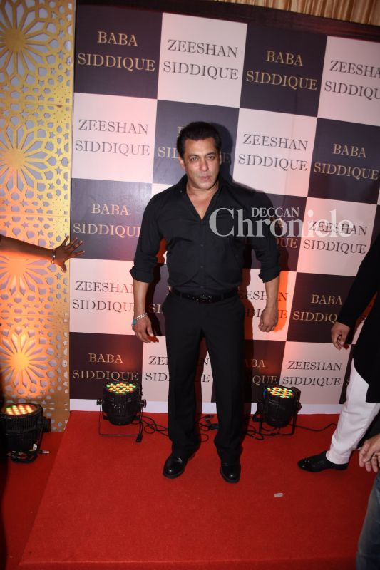 6f390e6dee Salman Khan is a regular at the party every year and looked stylish in an  all