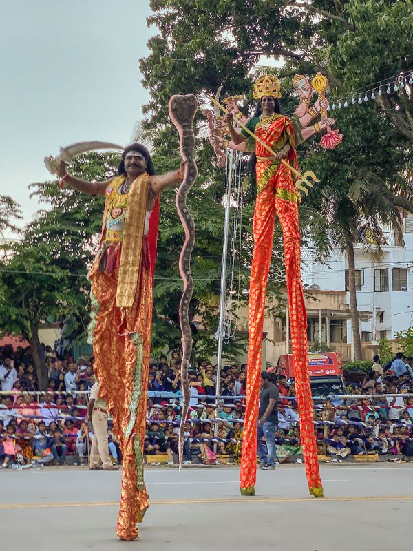 Festivities in action, captured with the wide-angle lens. (Photo: Prashanth Vishwanathan- @prashanthvishwanathan)