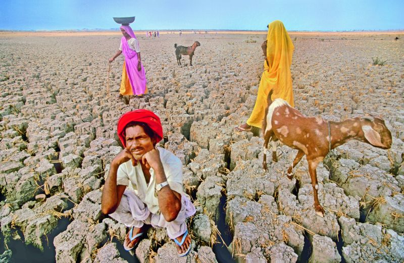 A parched Jaisamand lake in Rajasthan during the drought (Photographed in 2000 on film).