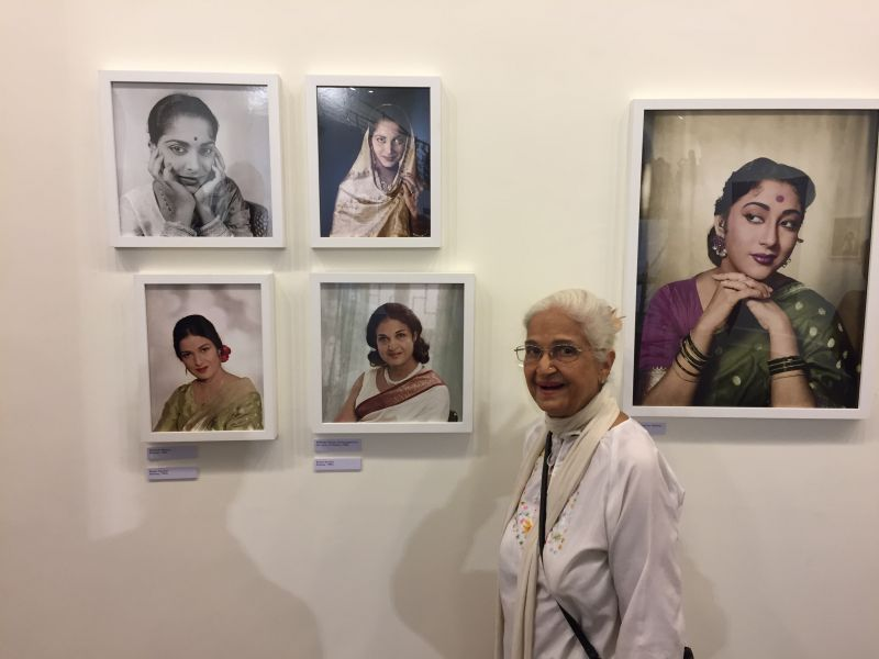 Kamini Kaushal with two pics taken in late fifties and Mala Sinha on side (Photo: Jitendra Arya Foundation)
