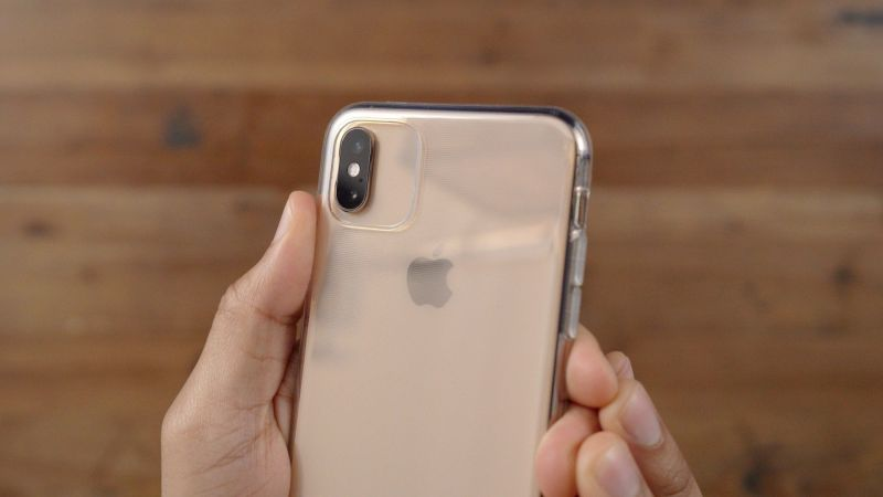 Apple iPhone 11 case hands-on