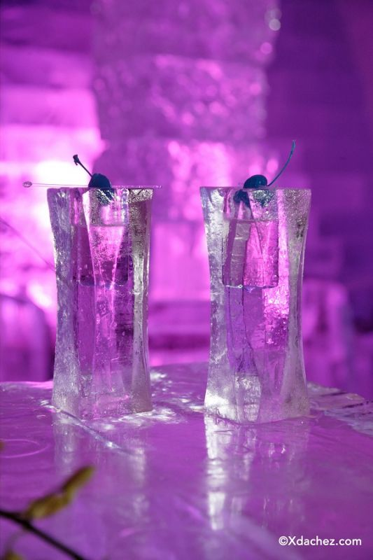 Glasses made out of ice at Hotel de Glace. Credit: © Xdachez.com