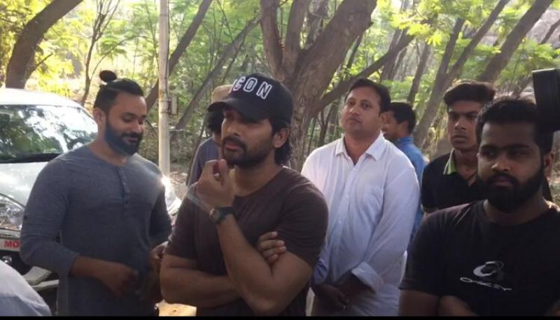 Allu Arjun cast his vote. (Photo: ANI)