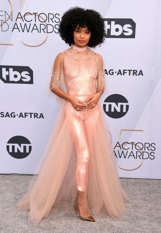 Sparkling diva, Yara Shahidi at the 2019 Screen Actors Guild Awards red carpet.