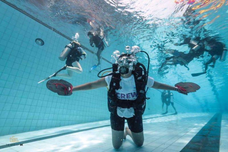 Virali Modi scuba diving.