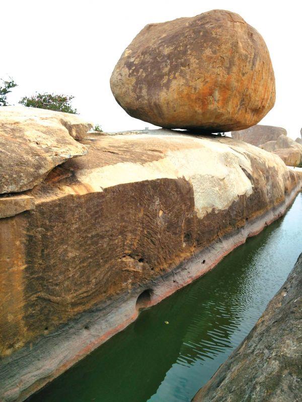 Lakshman Thirta on Avani Hill