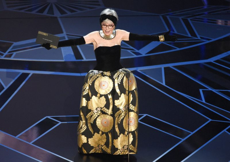Rita Moreno presents the award for best foreign language film at the Oscars. (Photo: AP)