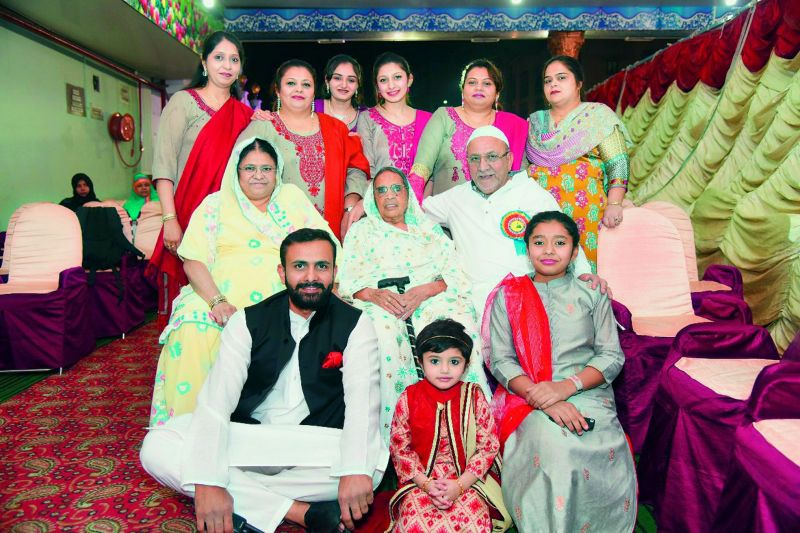 Md Imran with his entire family.