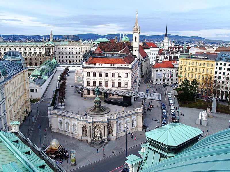 Aerial view of the Albertina Mueum district, Vienna. (Photo: Creative Commons)