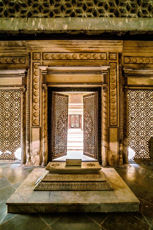Another shot of the stunning Paigah tombs