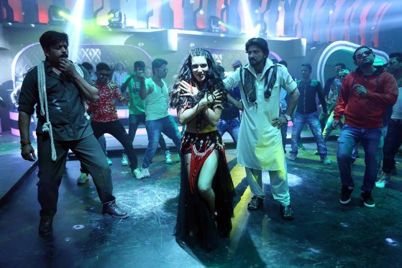 Ravi Kishan to make his Gujarati film debut, shoots for special song