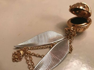 Harry Potter Fan Gets Engagement Box Made Like Golden Snitch