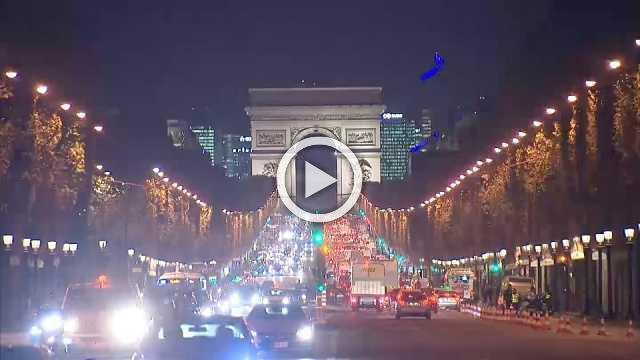 Economy: euro zone glitters as Christmas nears