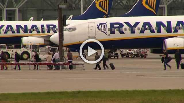 Ryanair unions lift Christmas strike threat