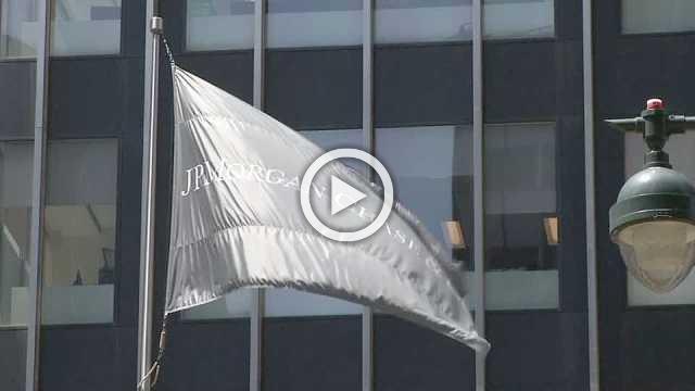 JPMorgan, Wells Fargo beat Wall Street