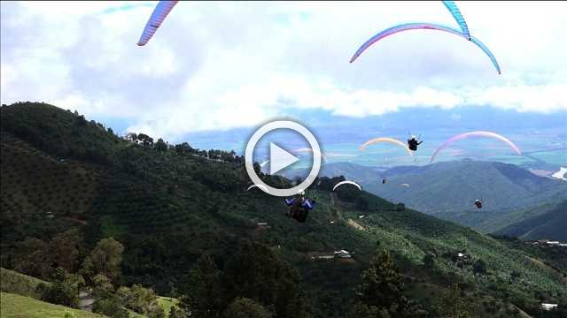 Paragliders face difficult conditions in Colombian skies