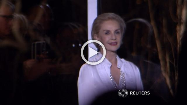 Carolina Herrera shows her last collection before stepping down