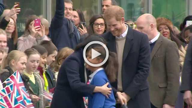 Harry and Meghan wow crowds on International Women's Day