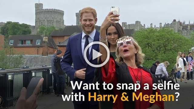 Windsor visitors snag selfies with Harry and Meghan waxworks