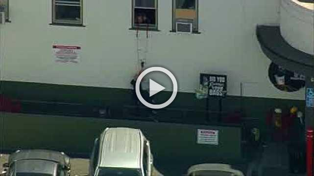 Trader Joe's worker saves people with ladder: video