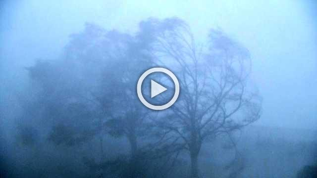 Hurricane Florence batters North Carolina