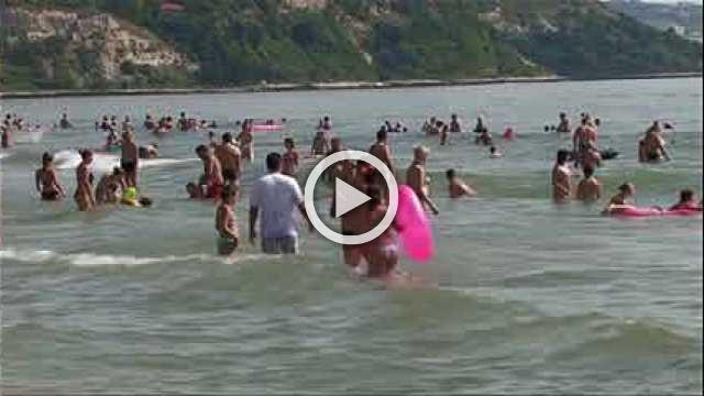 Hot summer hits demand at UK holiday firm