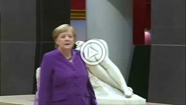 World leaders tour Orsay before WW1 ceremony