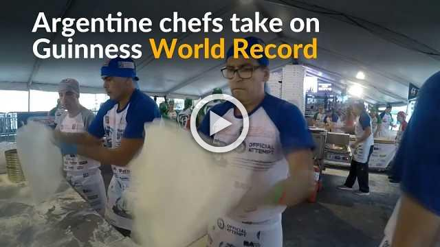 Argentine chefs cook up thousands of pizzas in world record win