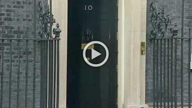 May arrives at No.10 ahead of cabinet meeting on Brexit draft deal