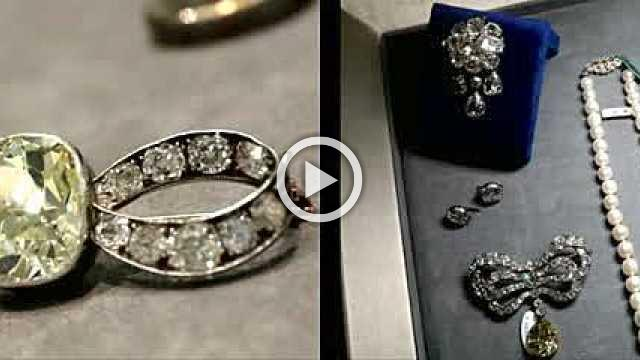 Marie-Antoinette jewels sell for record sum