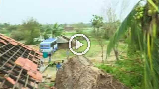 Cyclone 'Gaja' kills 11 in India