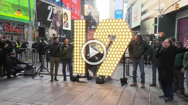 """19"" arrives in Times Square for NYE"