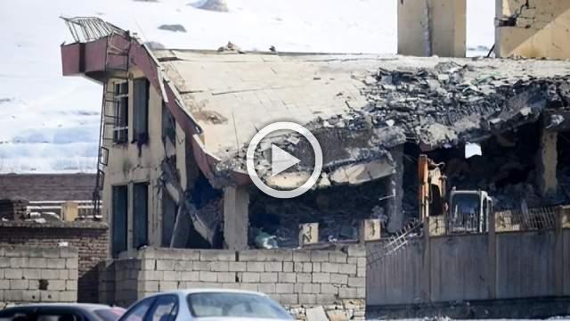 Taliban kill 126, hours before U.S. peace talks