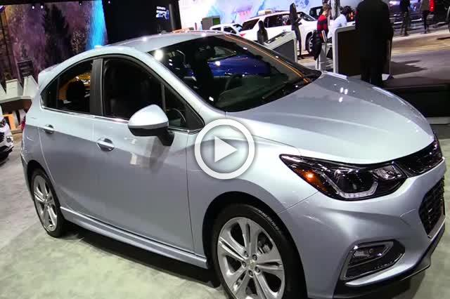 Chevrolet Cruze Hatchback Diesel Exterior and Interior Walkaround Part I