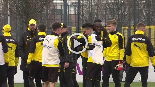 Sprint star Usain Bolt trains with Borussia Dortmund