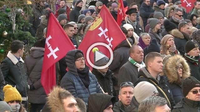 Poland bids farewell to murdered mayor