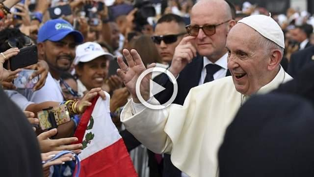 Pope slams 'fear' over migration as he begins Panama youth meet